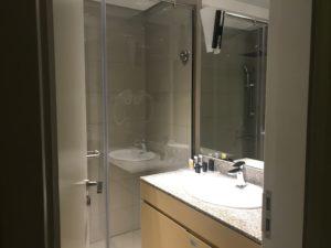 シャワー、洗面台の写真